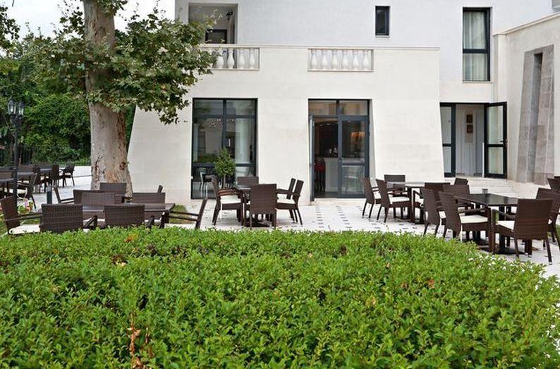 WHITE ROCK CASTLE SUITE HOTEL: Фото большого размера - изображение 5